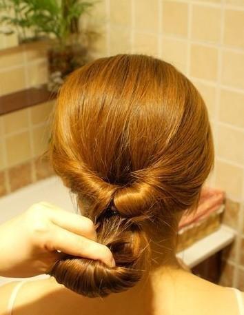 盘发器的使用方法图解儿童扎头发方法